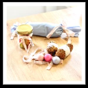 Geschenke verpacken im Glas, Stoffserviette oder Tuch