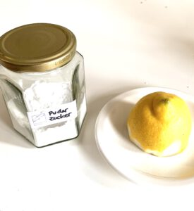 Puderzucker und Zitrone